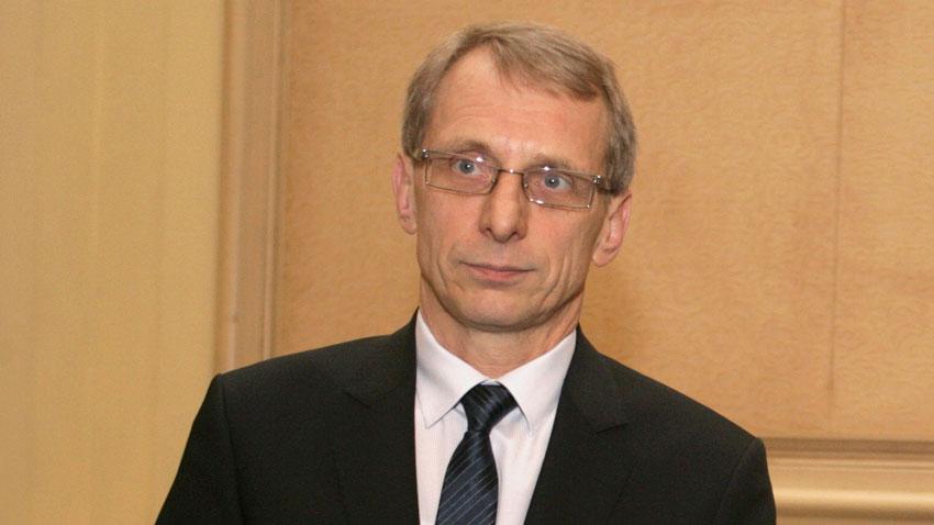 Министър Николай Денков: ЕК спира междинните плащания за програмата Наука и образование - Труд