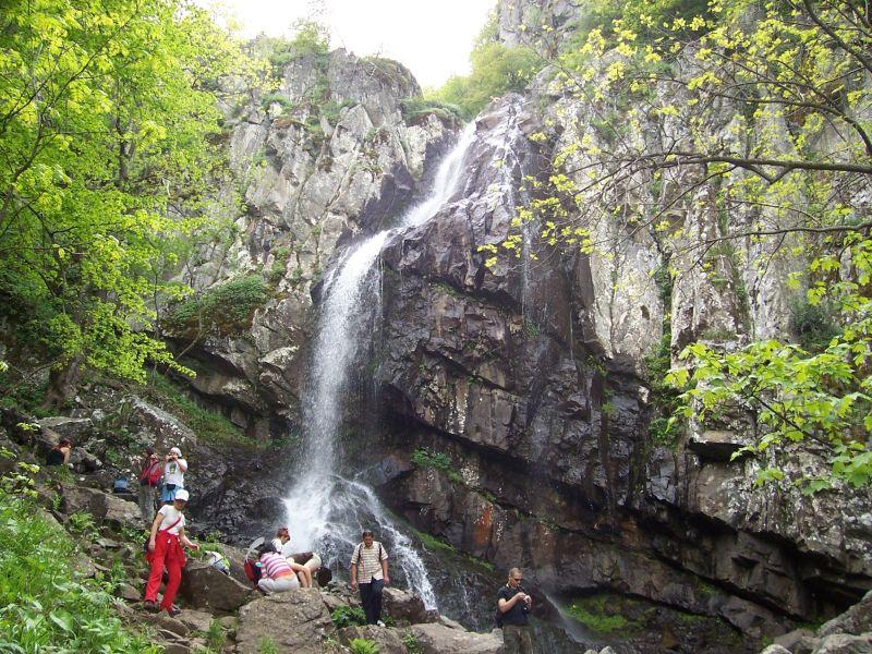 Турист загина при инцидент на Боянския водопад