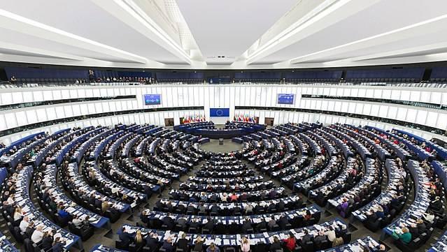 Междупартийна група от 40 евродепутати призова в четвъртък Европейската комисия