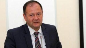 Прави се опит а се прикрият тежките проблеми на БСП с посочване на врага с партиен билет, каза Михаил Миков.