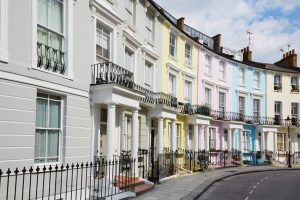 Лондон остава най-скъпият европейски град със среден наем на едностаен апартамент от 1747 евро.