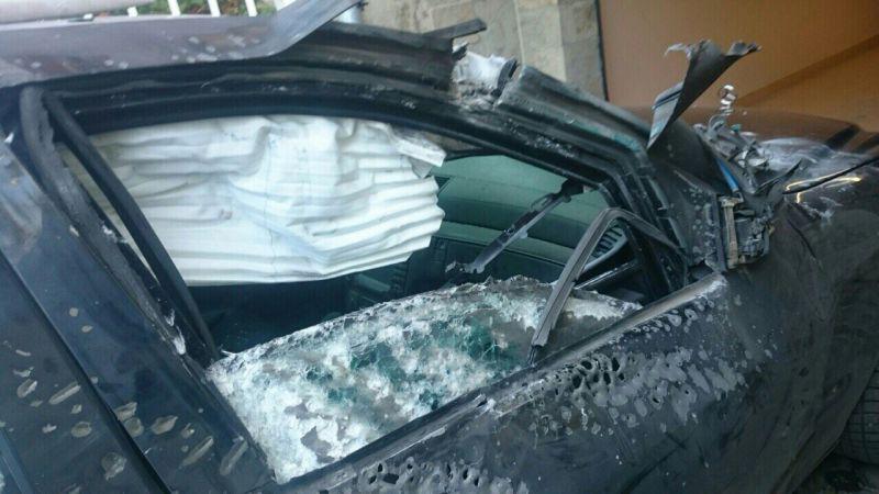 Бронираният мерцедес е пострадал, но успял да спаси Алексей Петров и шофьора му.