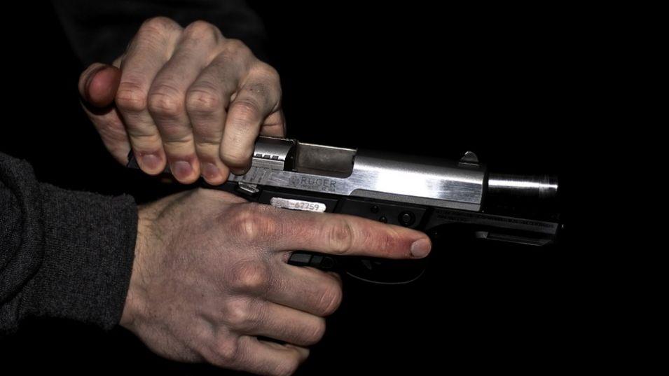 Въоръжени мъже убиха бивш телевизионен водещ в Афганистан, предаде Асошиейтед