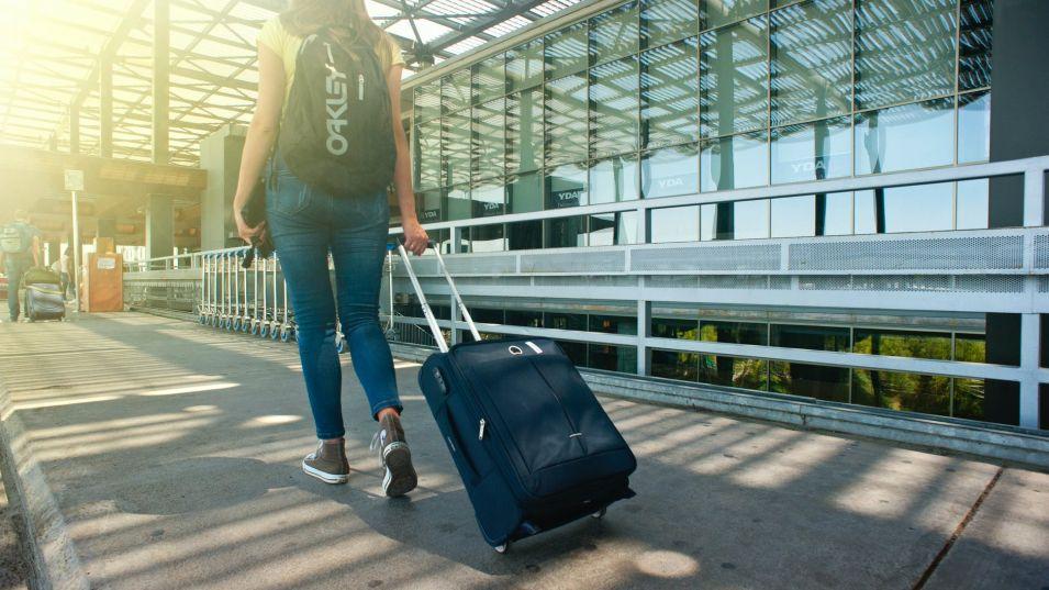От днес са в сила нови правила за пристигащите чужденци