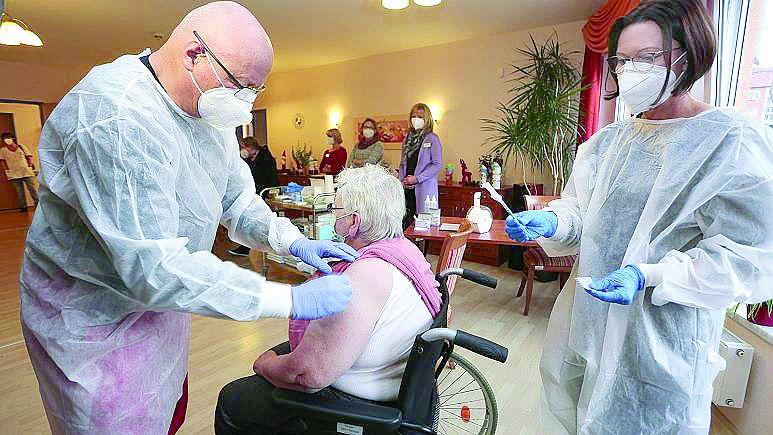 Германия е приложила първа доза ваксина срещу коронавирус на около