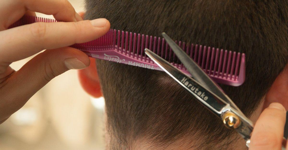 В Дания отново може да се ходи на фризьор или