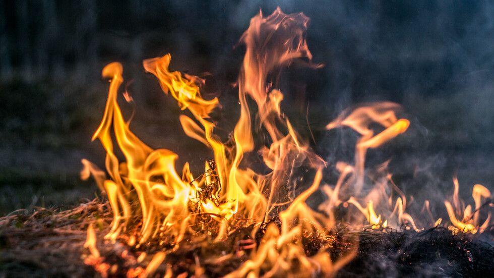 """Пожар в колекторска шахта с кабели до столичния булевард """"Цариградско"""
