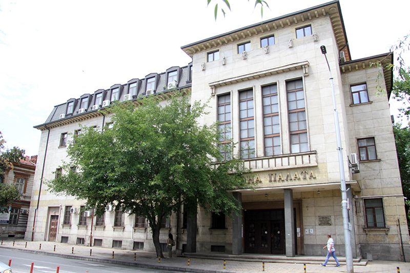 Налагал го с юмруци, защото плачелоОкръжна прокуратура в Пловдив внесе