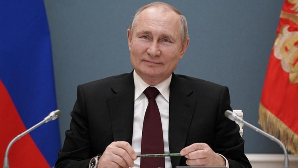 Руският президент Владимир Путин възложи на правителството и администрацията си