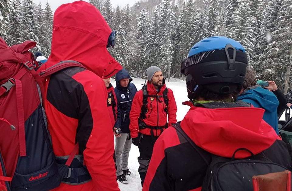 Телефонът на изчезналия сноубордист в Рила бе локализиран в лавина.