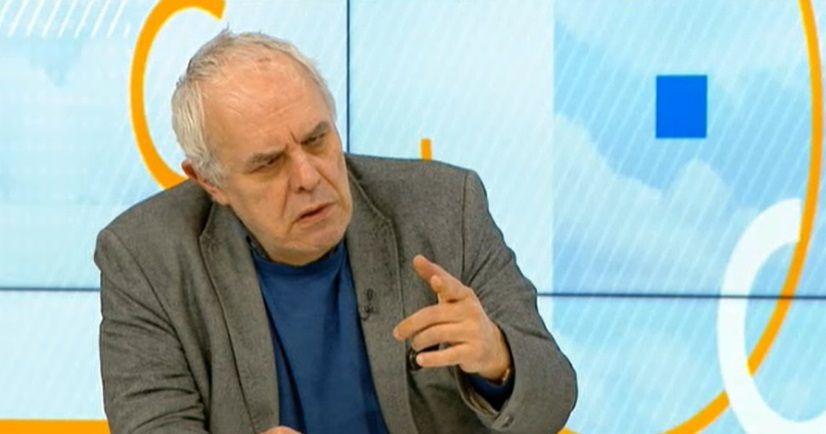 С предложението си за премиер Слави прикрива срама, каза политологът