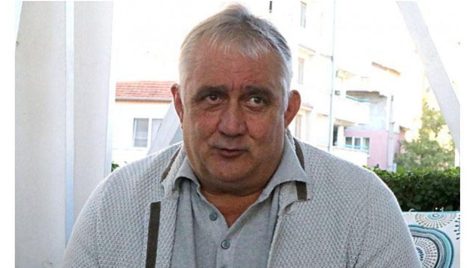 Полицията в Пловдив задържа за кратко футболната легенда Петър Курдов.