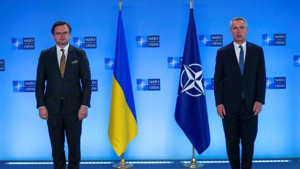 Москва предупреди Вашингтон да стои далечКиев се жалва от открити