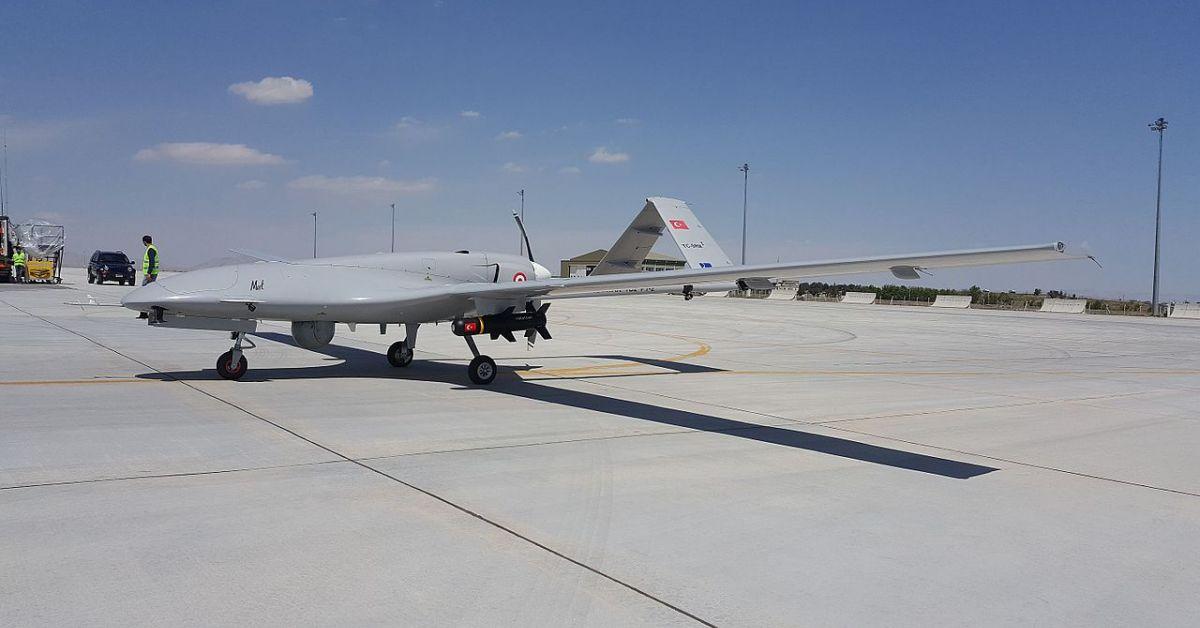"""Украйна за първи път използва турски безпилотни летателни апарати (БПЛА)""""Байрактар"""""""