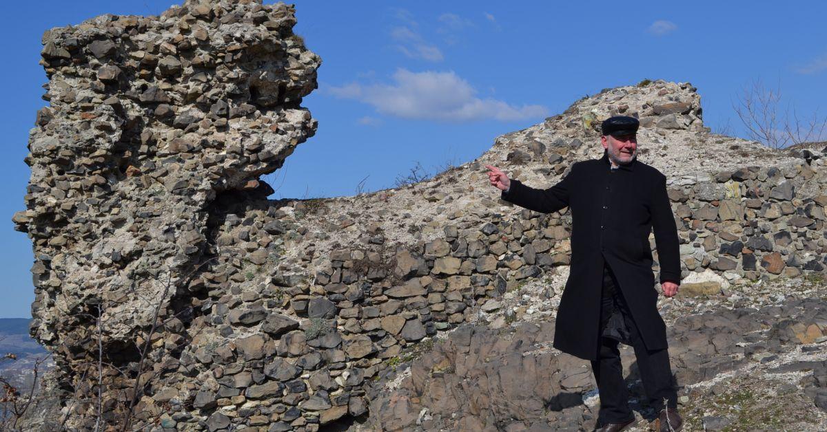 Начало на археологически сезон 2021В тайнствената крепост избират латинския император