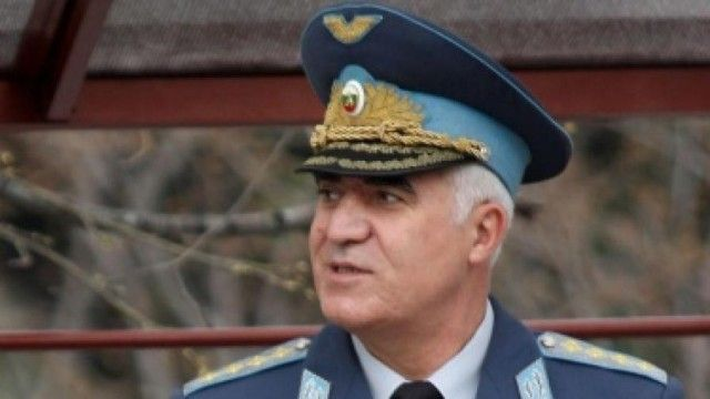 След кратко боледуване е починал бившият началник на Генералния щаб