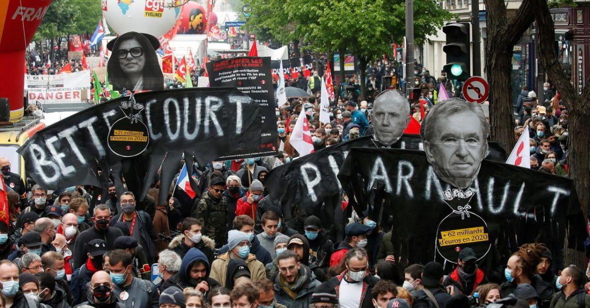 Хиляди хора се включиха днес в традиционни демонстрации за Първи