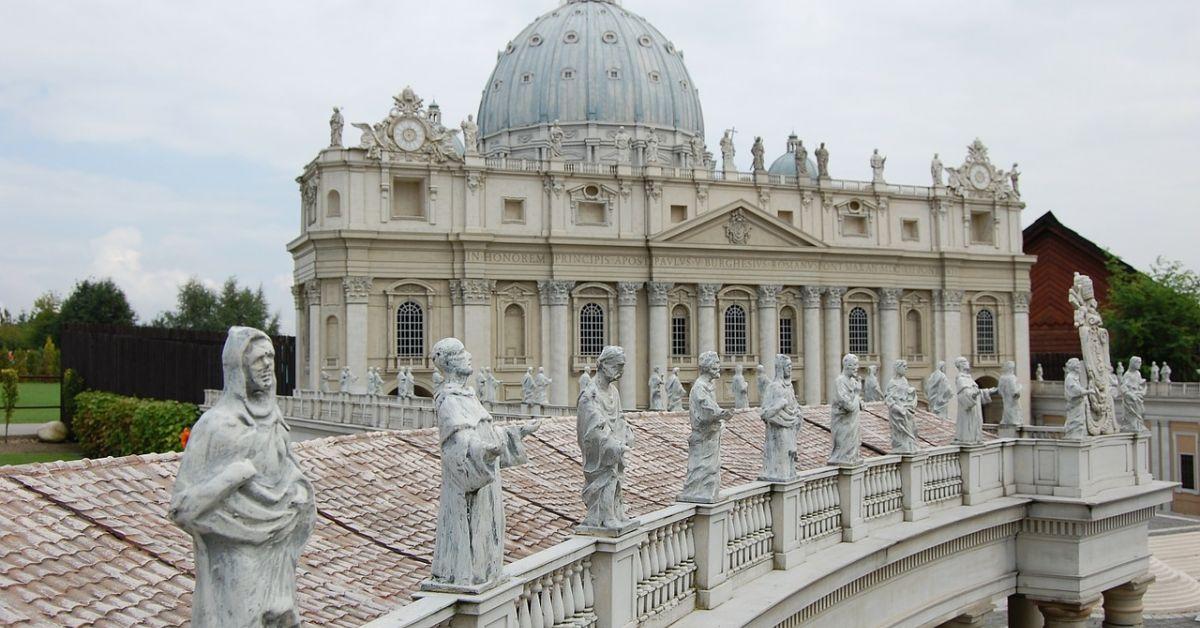 Президентът Румен Радев пристигна във Ватикана в 9 часа местно
