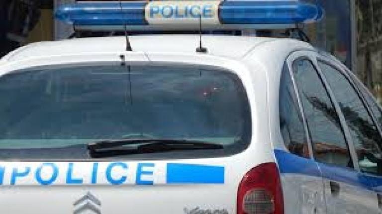 Полицията задържа 54-годишен шофьор на лек автомобил за хулиганство и