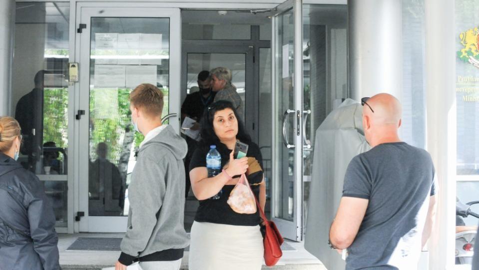 Правосъдното министерство предлага промяна в наредба23 000 души чакат редКандидатите