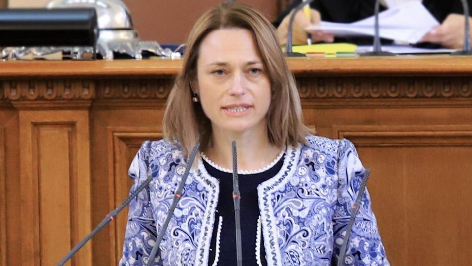 Предлага само 80 депутати да се избират мажоритарноИва Митева-Рупчева -