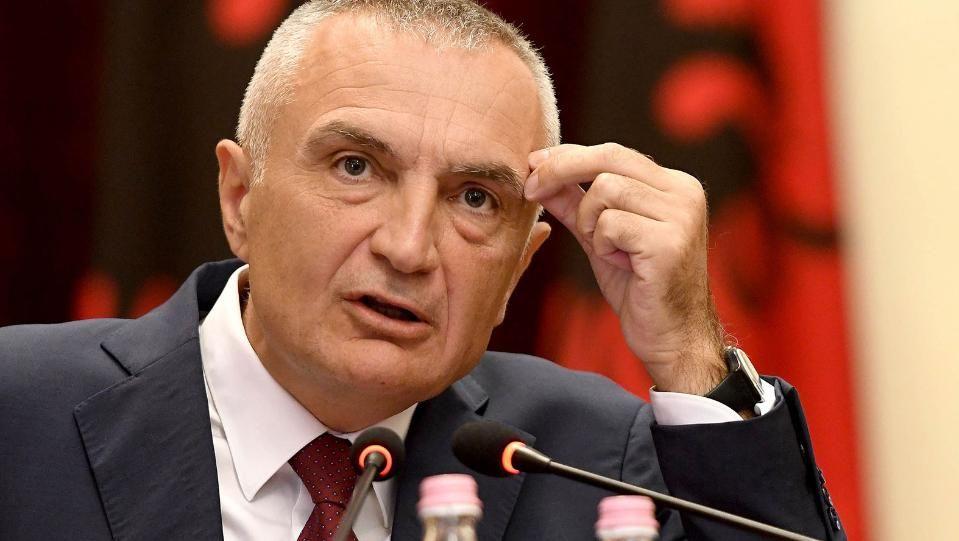 Албанският парламент гласува в четвъртък да отстрани от длъжност президента
