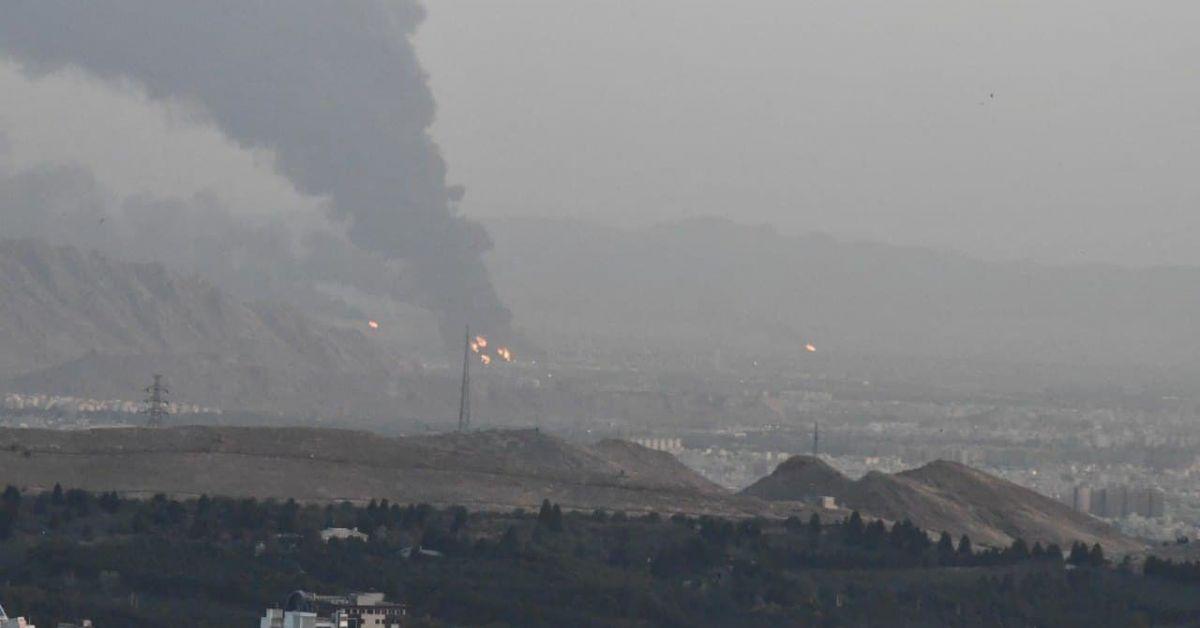 Голям пожар избухна в рафинерия в южната част на иранската