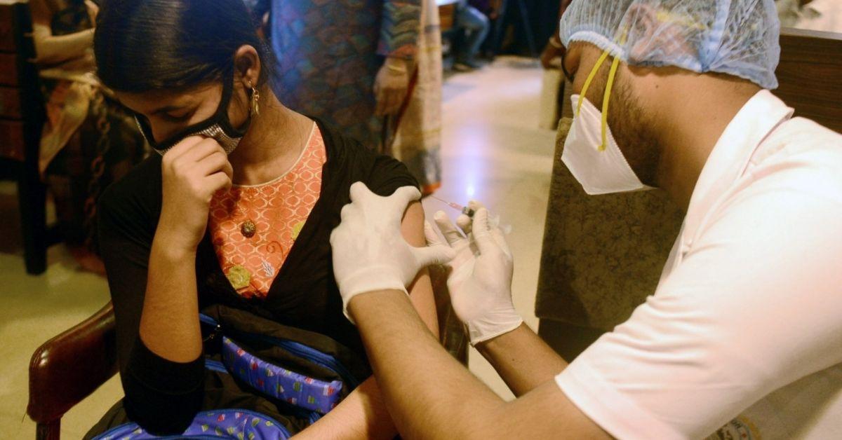 Индия задейства днес програма за безплатна ваксинация срещу коронавируса на