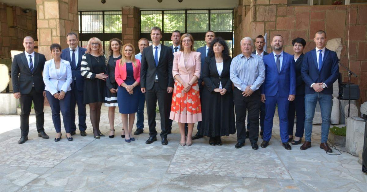Коалиция ГЕРБ-СДС откри предизборната си кампания в Пазарджик с официално
