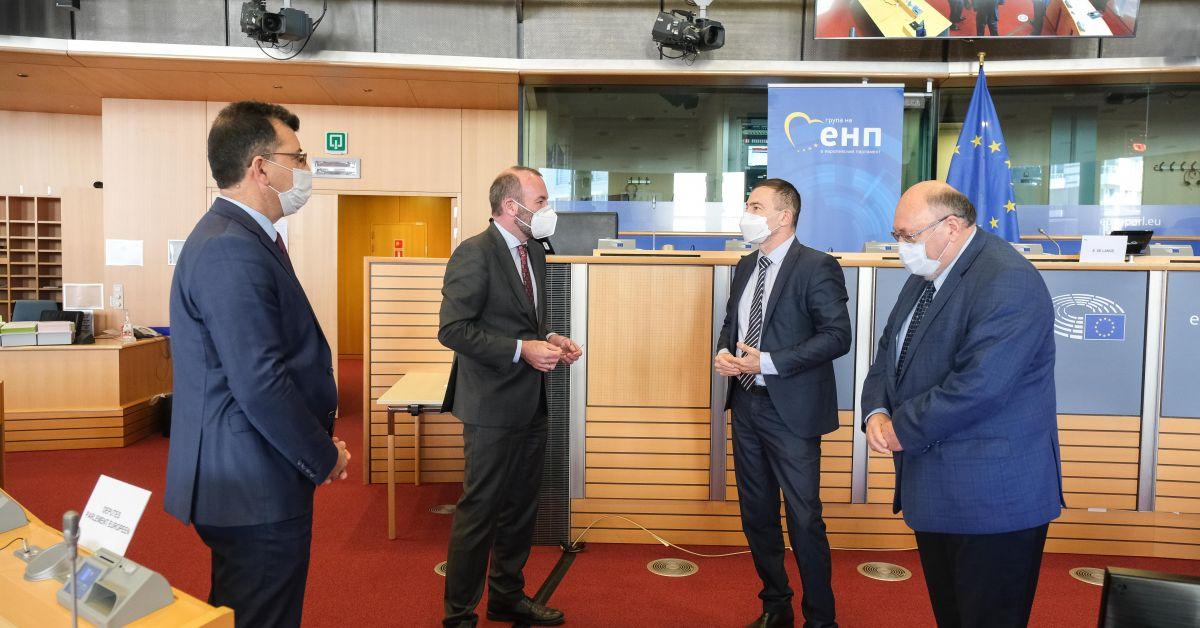 Председателят на Групата на ЕНП в ЕП Манфред Вебер подкрепи