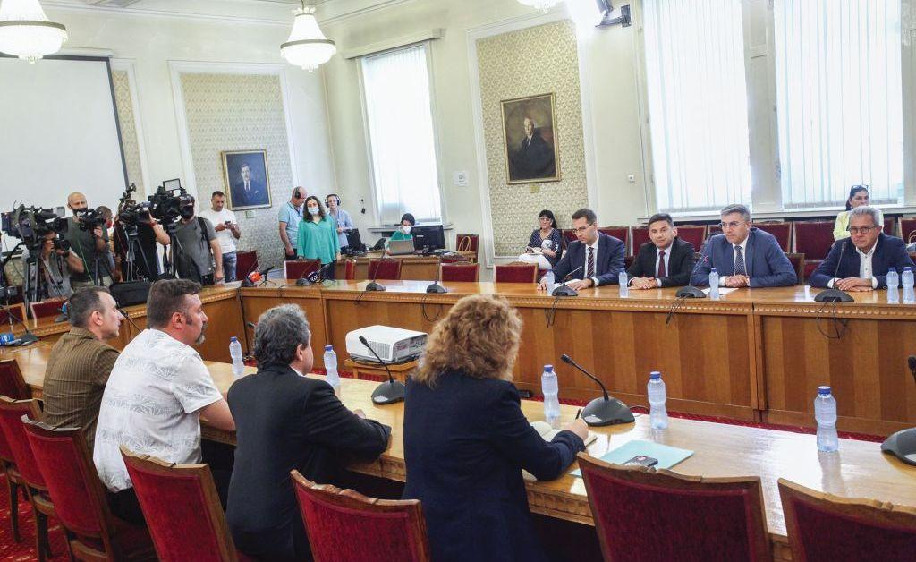 Служебни министри да останат и в редовния кабинет, нямат против