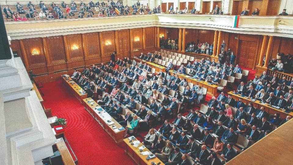 """Пред """"Труд"""" политолози и анализатори предупредиха за настъпващ хаосСлужебните министри"""