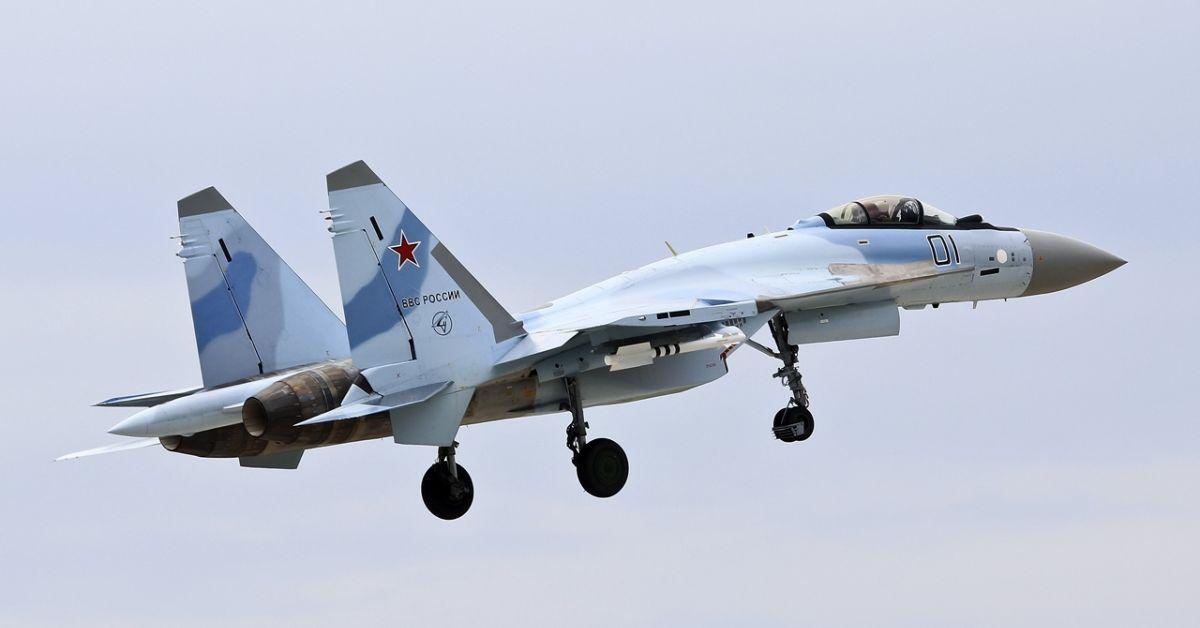 Руски боен самолет Су-35С, изпълняващ учебно-тренировъчен полет, се разби в
