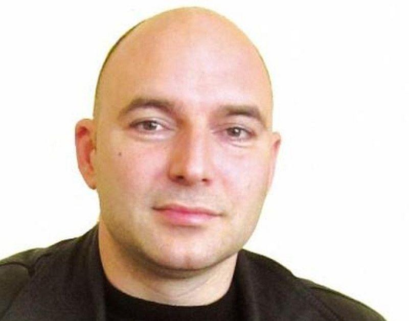 Покушението е извършено пред дома му в Горна ОряховицаНеизвестен откри