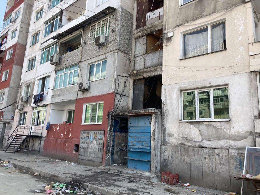 Петима души бяха обгазени при пожар в Пловдив (Видео)