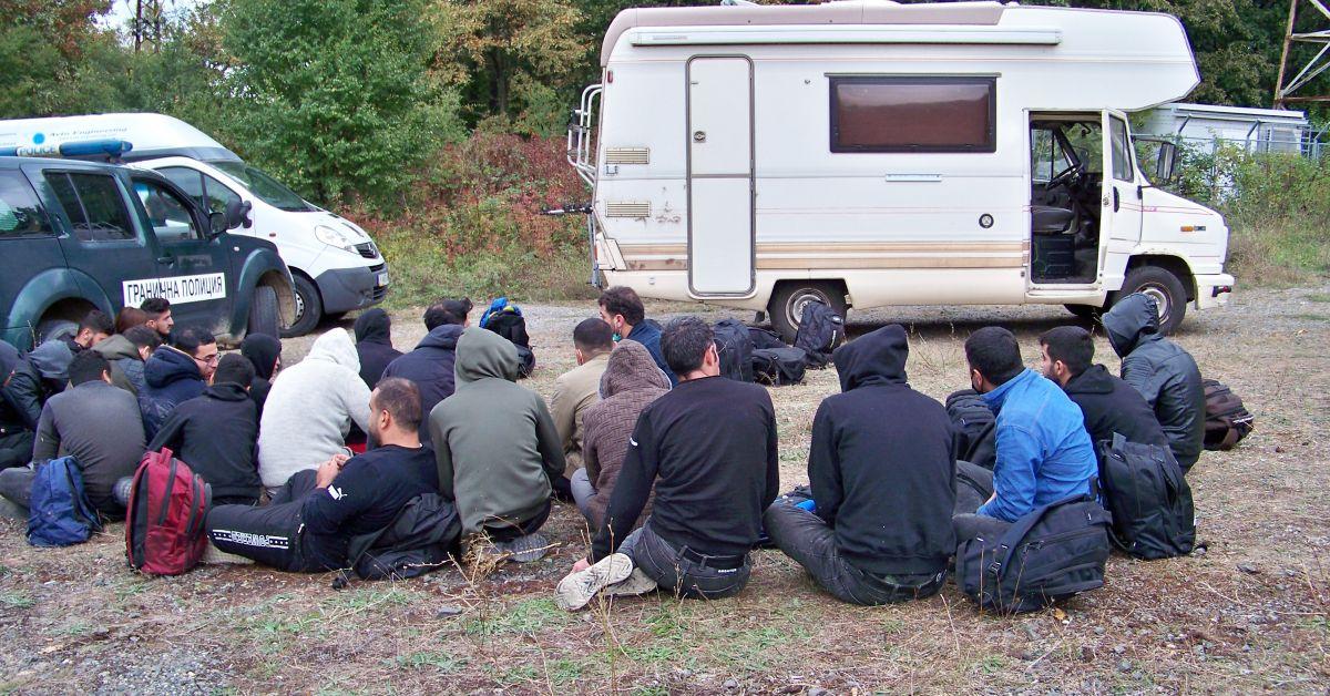 В рамките на специализираната полицейска операция на българо-турската граница, в