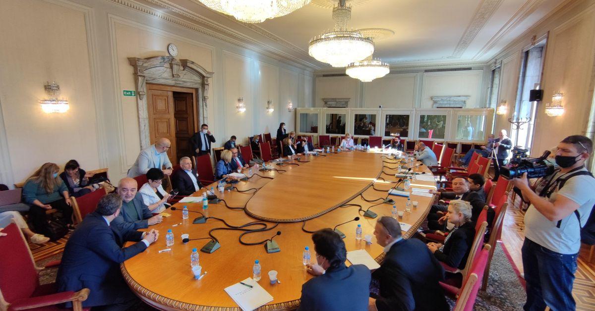 Над 100 назначени в комисиите питат и за ДМСОбмислят създаване