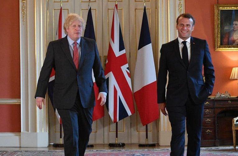 Британският премиер Борис Джонсън и френският президент Еманюел Макрон се