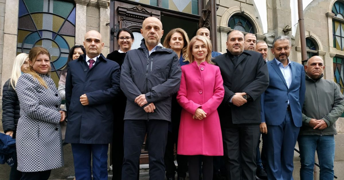 По традиция ГЕРБ-Габрово откри предизборната си кампания с водосвет за