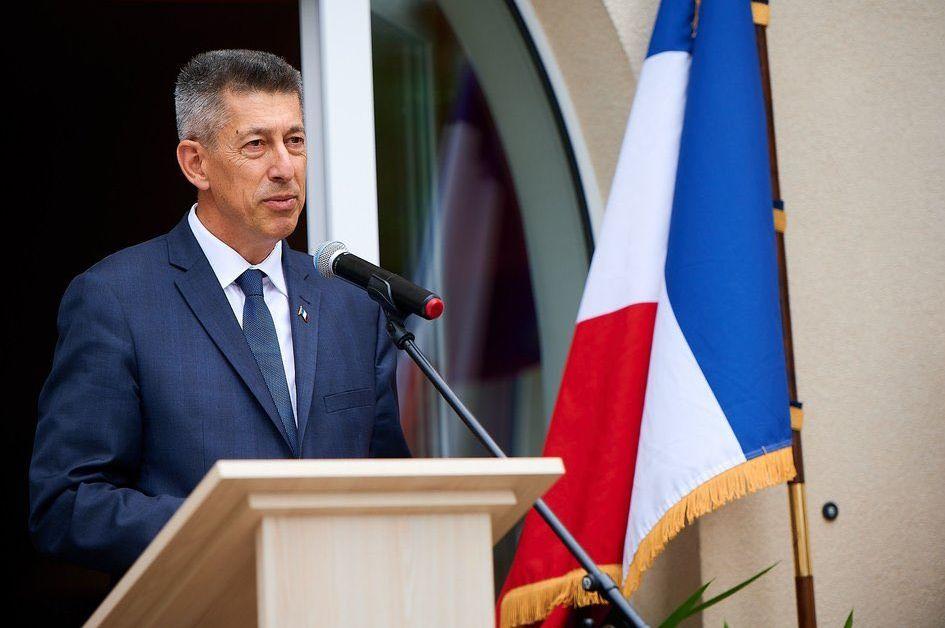 Френският посланик в Беларус е напуснал страната по настояване на