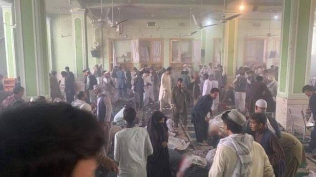 Най-малко 33 души са били убити при мощната експлозия в