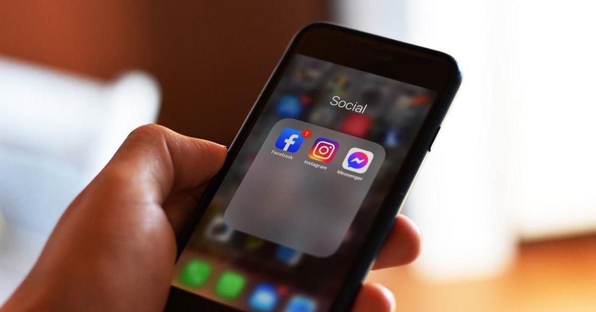 Facebook и Instagram отново се сринаха, пишат световни медии. Над